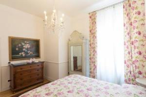 vittoria purple bedroom2